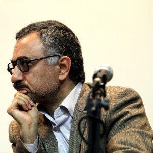 Economist Outlines Challenges Facing Iran's Economy