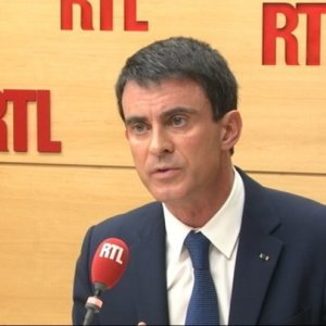 Valls Supports Macron's Movement