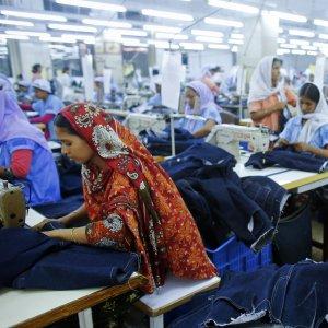 Bangladesh Using New Tech  in $28b Garment Business