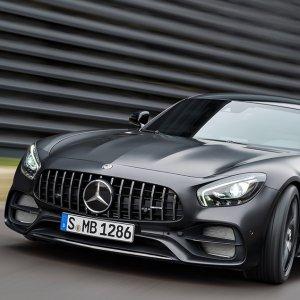 Mercedes-Benz China Sales Jump 32 Percent