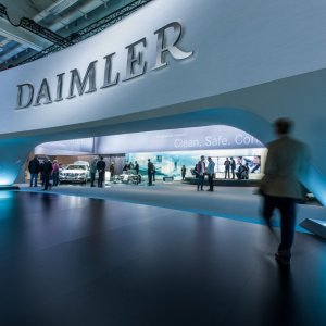 Geely is seeking a tie-up with Daimler that includes establishing a jV to produce electric cars.