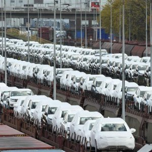 Political Uncertainty Unnerves Europe Auto Sector