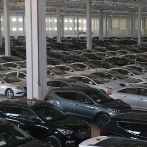 The price of Hyundai's Santa Fe has shot up by 280 million rials ($7,000).