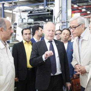 Volvo Trucks' President Claes Nilsson (C) visited SAIPA Diesel's assembly lines  in Tehran on Oct. 31.