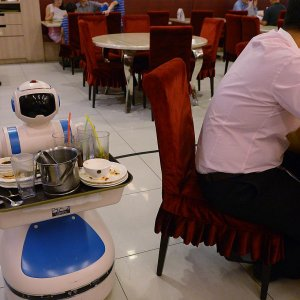 Robot Waiters Coming to Tehran