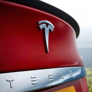 Tesla Cutting Corners on Safety