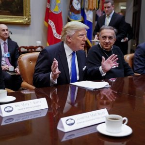 Trump Tells 3 Top US Carmakers to Play Ball