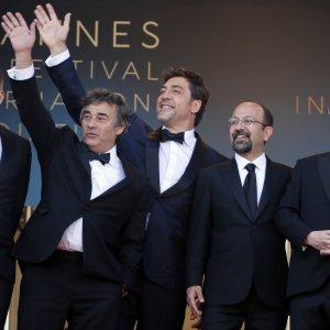 Critics Admire Storytelling, Cast's Powerful Performance