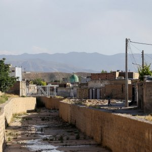 Of the 2,800 hectares of urban area in Gonbad-e Kavus, 547 hectares (20%) are old and dilapidated.