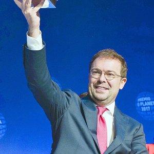 Novelist Javier Sierra Wins Planeta Award