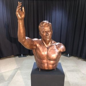 Takhti's Bust Unveiled in Alabama