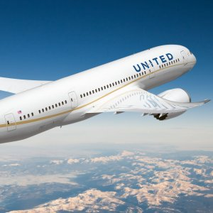 United Airlines Rapidly Losing Popularity