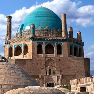 Plan to Remove Scaffolds From Soltaniyeh Dome