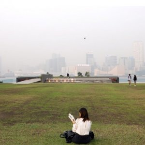 Hong Kong Smog Hits Serious Health Risk Levels