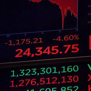 Asia Shares End Mixed