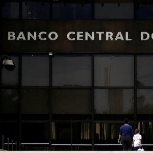 Brazil Budget Deficit Narrows