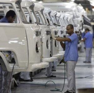 Brazilian Payrolls Rise in April