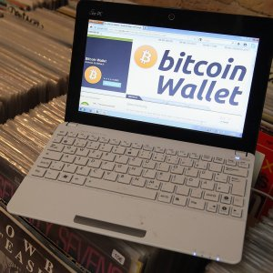 """Online searches for """"bitcoin"""" fell 82% from December highs."""