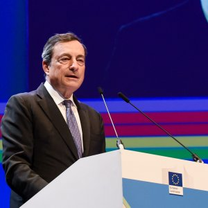 Mario Draghi says the central bank would remain poised to extend its accommodative monetary policy if necessary.