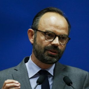 French Premier Vows to Cut Budget Deficit