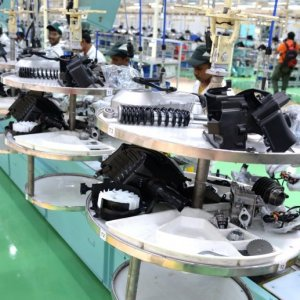 India Factory Production Up 4.9 Percent