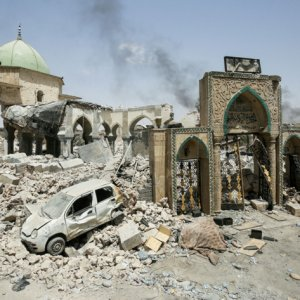 Iraq Says Reconstruction to Cost $88b, Calls for Investments