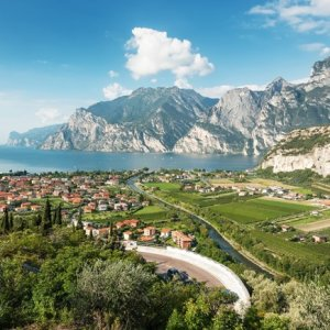 Italy Woos Superrich With Low Tax Rates