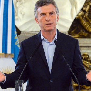 Ministers Fired After Argentina Currency Collapse