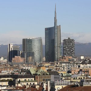 Italy must reform its banking system if it is to continue on a weak path to recovery and it should be prepared to force holders of Italian bank debt to lose money rather than using public funds to bail them out.