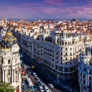 Spain Sees 0.8% Growth in Q3