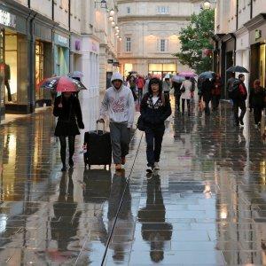 UK Retail  Sales Slump