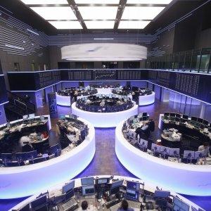 World Stocks See Best Start in Eight Years