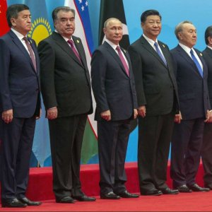 Chinese President Xi Jinping (4th R) welcomed India and Pakistan to their first SCO summit, a year after their admission as full member states.