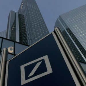 Deutsche Bank Incurs Massive Loss for 2016
