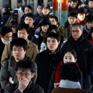 Economists Cautious About South Korea in 2018