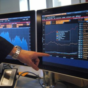 Even Safe Bond Investments Falter as Markets Tumble