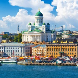 OECD survey projects Finland's growth around 2.5% in 2018.