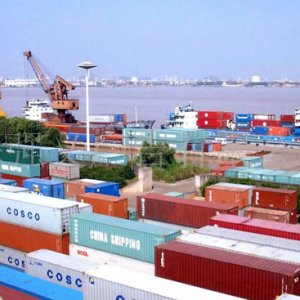Global Trade Booms, But Headwinds Blow
