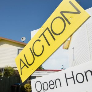 Housing Still a Major Economic Threat to New Zealand