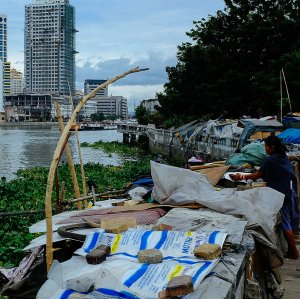 If inequality had remained stable in Asia, economic growth between 1990 and 2013 would have lifted an additional 165 million people out of extreme poverty.