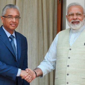 Mauritius Tops India FDI Chart
