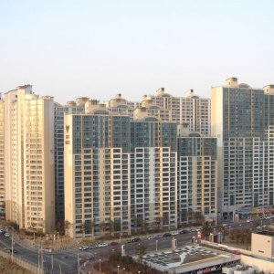 Household debt will stand between 1,380 and 1,540 trillion won by the end of this year.