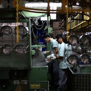 Singapore's Overall Factory Output Rose 10.1% in 2017