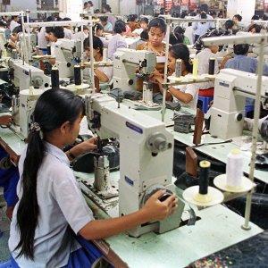 Singapore Business Confidence Falling