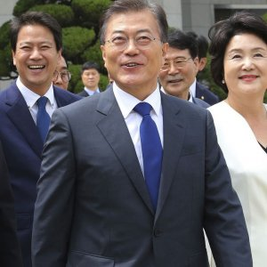 President Moon Jae-in has promised to increase the minimum wage to 10,000 won per hour before his five-year term  ends in May 2022.