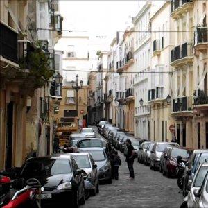Spanish companies slightly increased savings last year, reaching 17.6% of GDP.