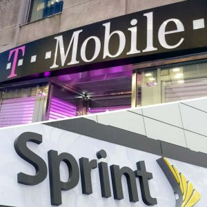 T-Mobile Advances Toward Sprint Deal