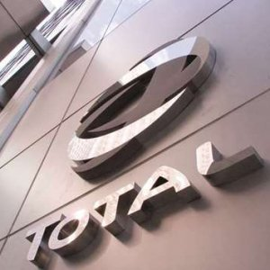 Total Buys  $450m Stake  in Libya Field