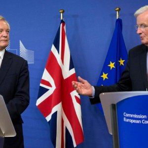David Davis (L) and Michel Barnier clashed repeatedly  over the divorce settlement.