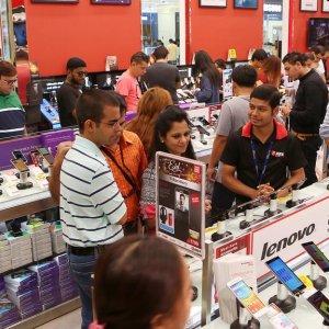 VAT, Saudization Impair Mobile Sales in (P)GCC Markets